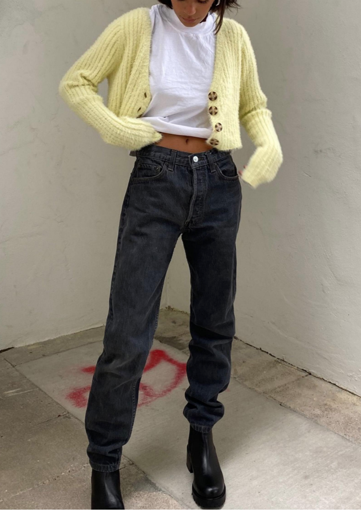 Urban Renewal Vintage Levi's 水洗黑色牛仔褲 HK$621 from urban outfitters