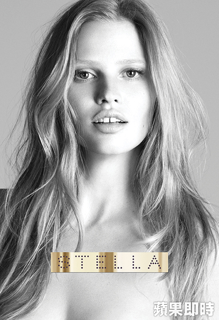 Lara Stone為STELLA McCARTNEY新香水拍廣告。翻攝STELLA McCARTNEY臉書