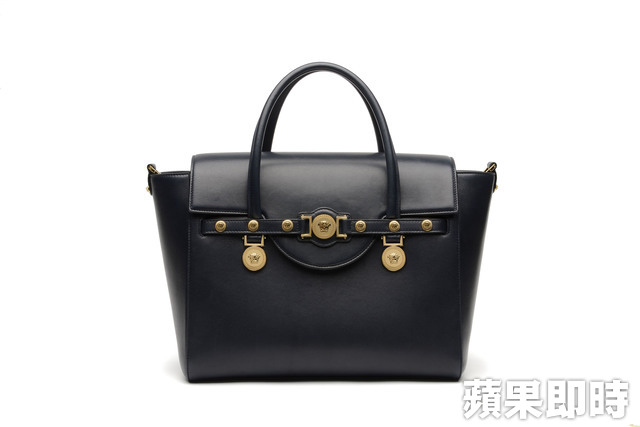Versace Signature Bag,8萬9000元。品牌提供