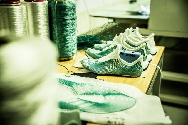 adidas x Parley for the Oceans環保鞋製作過程。翻攝theverge.com