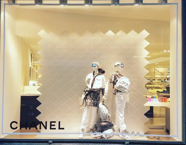 CHANEL at colette櫥窗。翻攝IG