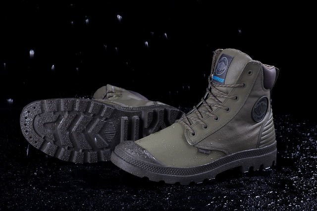 PALLADIUM Pampa Sport Cuff Shadow防水靴,3480元。品牌提供
