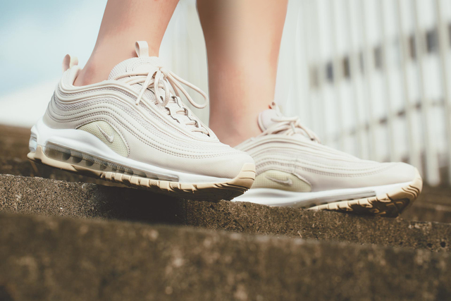 Nike WMNS Air Max 97鞋款,5400元。FRUITION提供