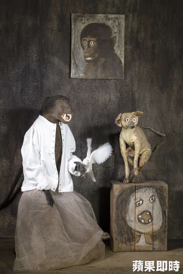 PHOTOGRAPHERSARTISTS AND THE SNAP CARDIGAN Roger Ballen