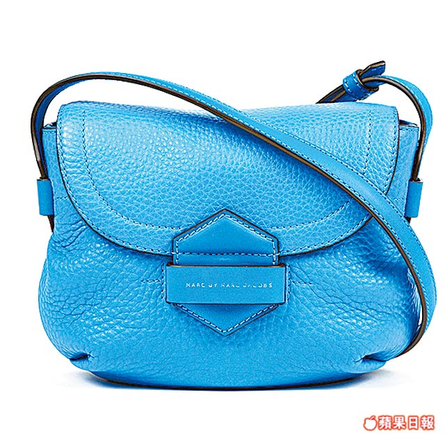 MARC BY MARC JACOBS Half Pipe系列斜背包。1萬3900元