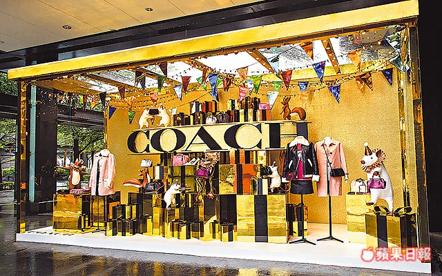 COACH Holiday快閃限定概念店,即日起至11月25日於新光三越A8登場。